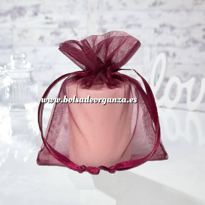 Imagen Tamaño 13.5x19 cms. Bolsa de organza Burdeos 13.5x19 capacidad 13x17 cms.